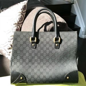 Authentic Gucci tote bag. Fairly large sized.
